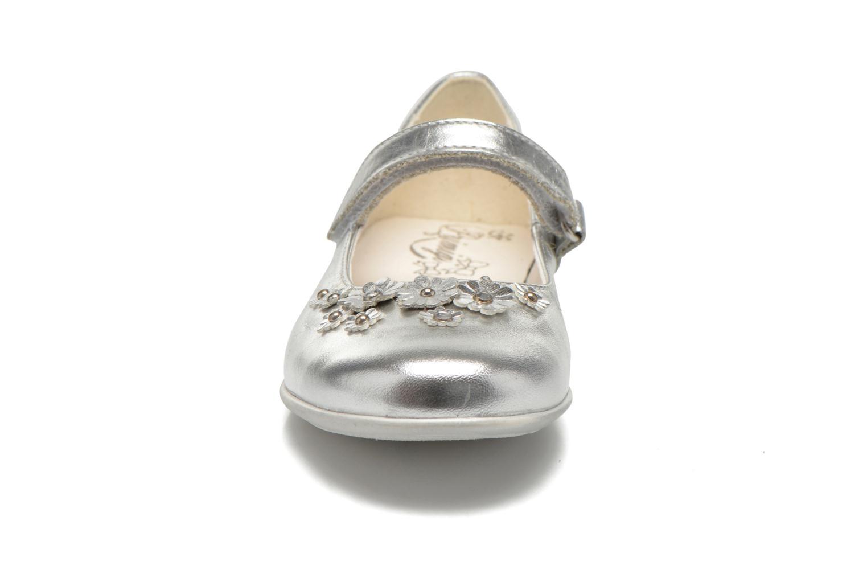 Ballerines Primigi Shaula Argent vue portées chaussures