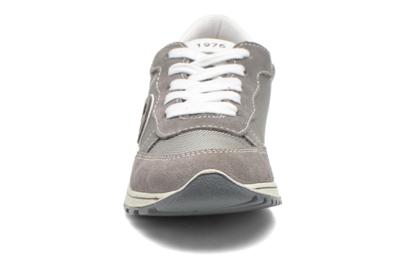 Baskets Primigi Culver Gris vue portées chaussures