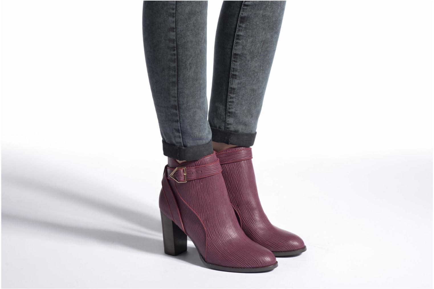 Ankle boots Mellow Yellow Alida Burgundy view from underneath / model view