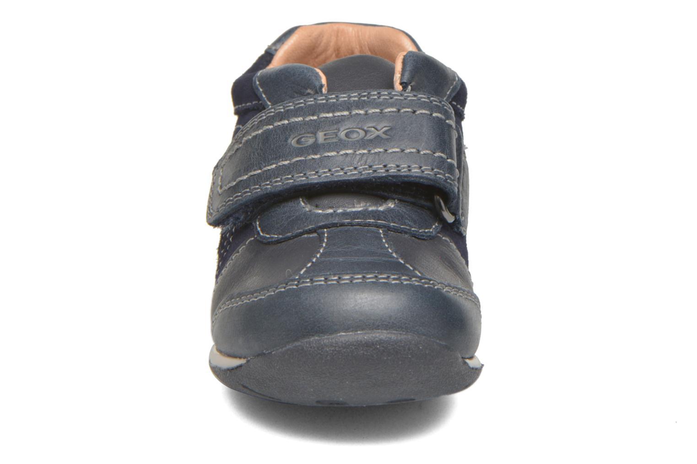 Chaussures à scratch Geox B Each Boy B540BD Bleu vue portées chaussures