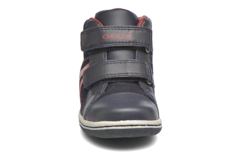 Baskets Geox Baby Flick Boy B5437G Bleu vue portées chaussures
