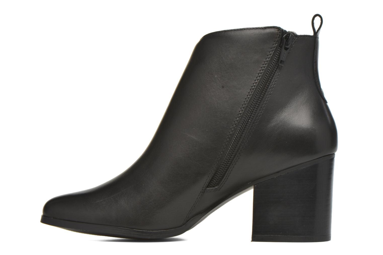 Boots en enkellaarsjes André Paolina Zwart voorkant