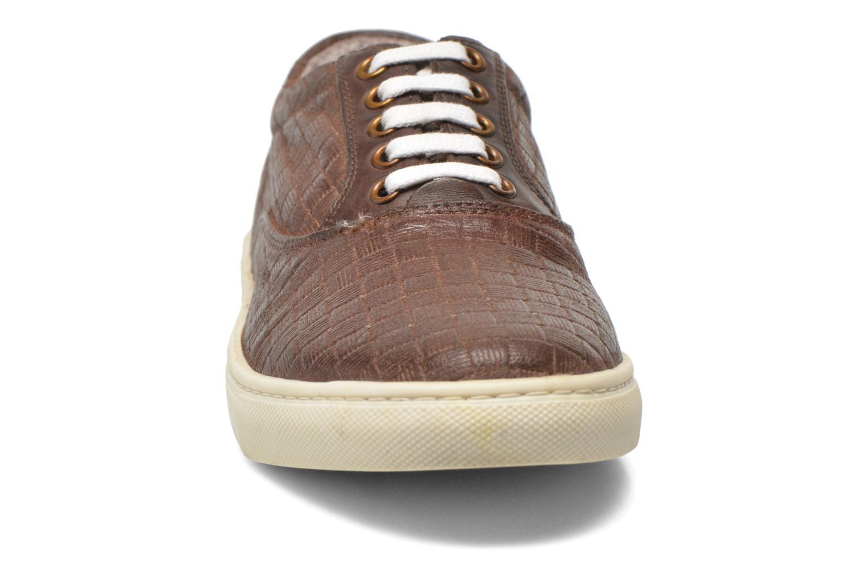 Baskets Kickers Villanis Marron vue portées chaussures