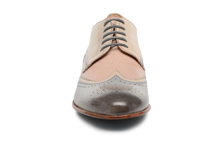Snörade skor Melvin & Hamilton Sally 15 Beige bild av skorna på