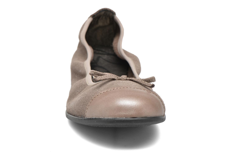 Ballerines Bopy Sarinza Beige vue portées chaussures