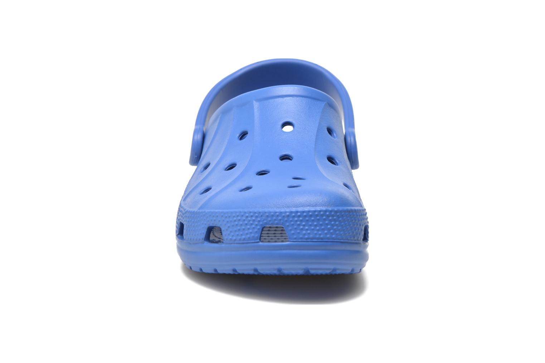 Zuecos Crocs Ralen Clog w Azul vista del modelo