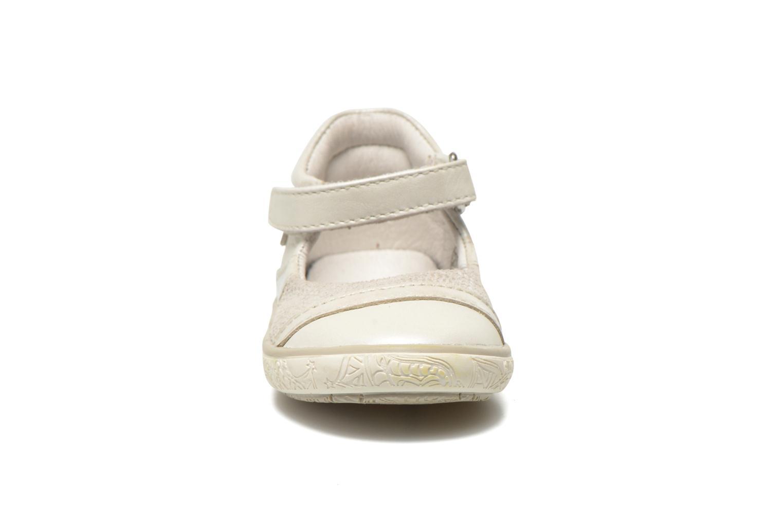 Sandales et nu-pieds Noël Mini Alizé Beige vue portées chaussures