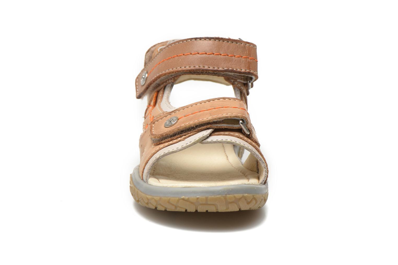 Sandales et nu-pieds Noël Tool Marron vue portées chaussures