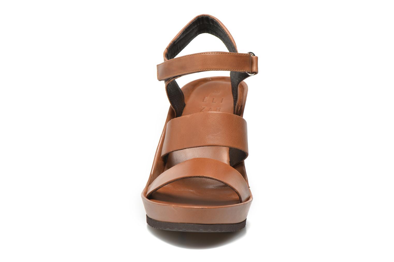 Sandalen Elizabeth Stuart Butty 304 braun schuhe getragen