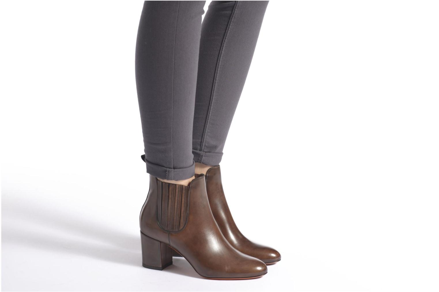 Ankle boots Santoni Venus 65 Brown view from underneath / model view
