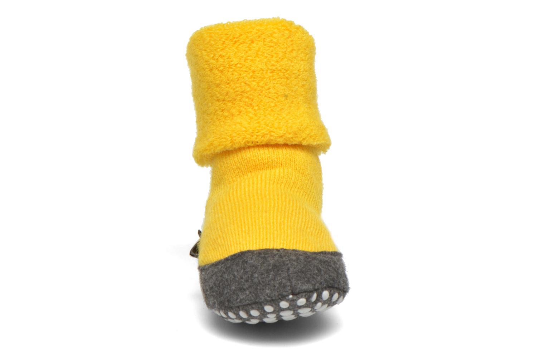 Chaussettes et collants Falke Chaussons-chaussettes Cosyshoes Jaune vue portées chaussures