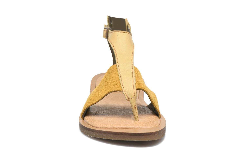 Sandales et nu-pieds El Naturalista Tulip NF35 Jaune vue portées chaussures