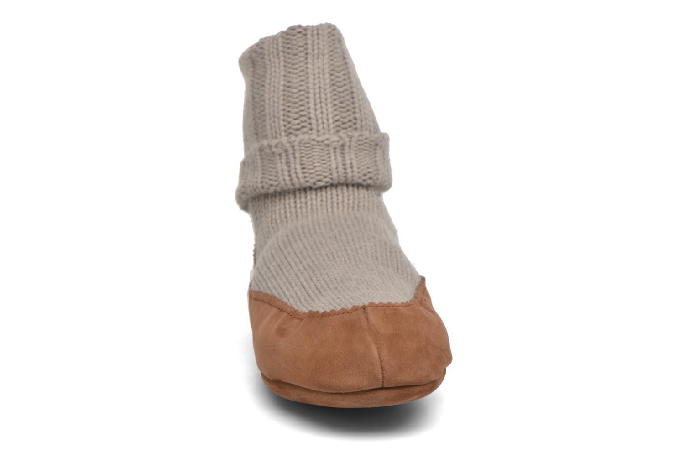 Chaussettes et collants Falke Chaussons-chaussettes Cottage Socke Beige vue portées chaussures