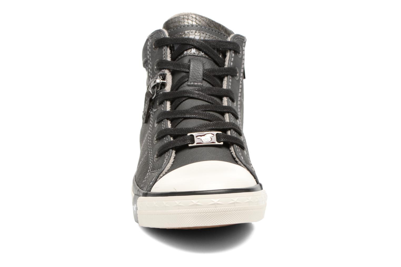 Sneakers Mustang shoes Leni Grigio modello indossato
