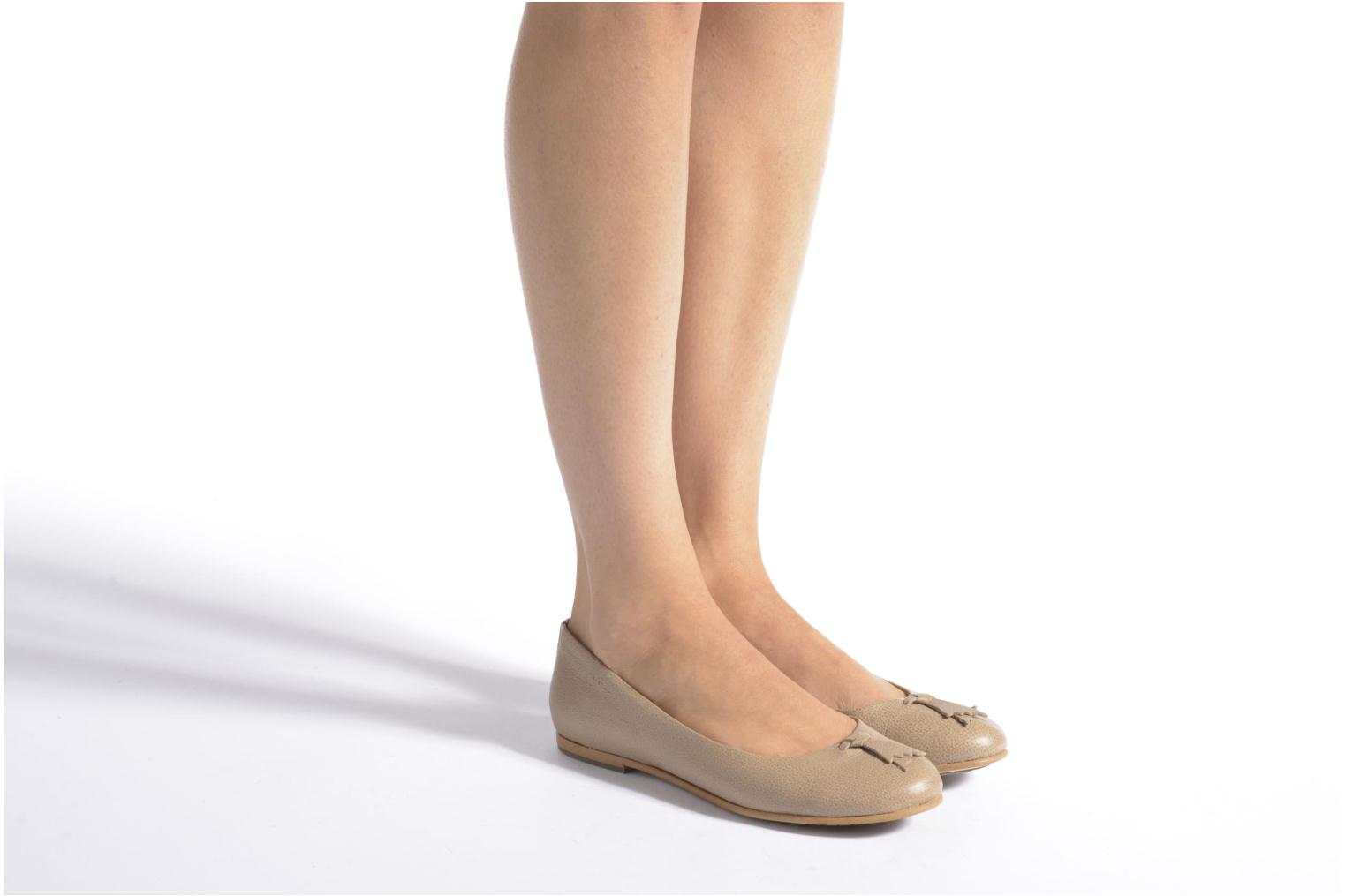 Ballet pumps Aigle Bostford Beige view from underneath / model view