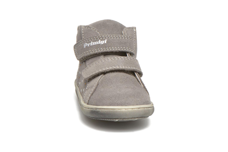 Chaussures à scratch Primigi Niky Gris vue portées chaussures