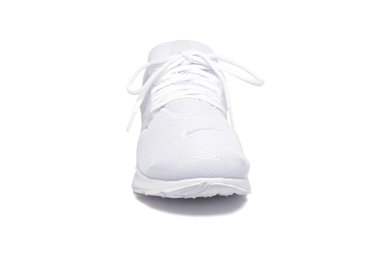 Baskets Nike Nike Air Presto Blanc vue portées chaussures