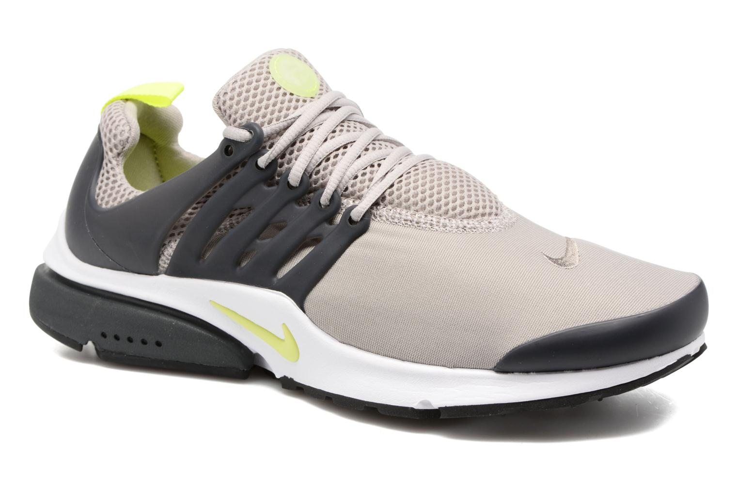 Baskets Nike Nike Air Presto Essential Gris vue détail/paire