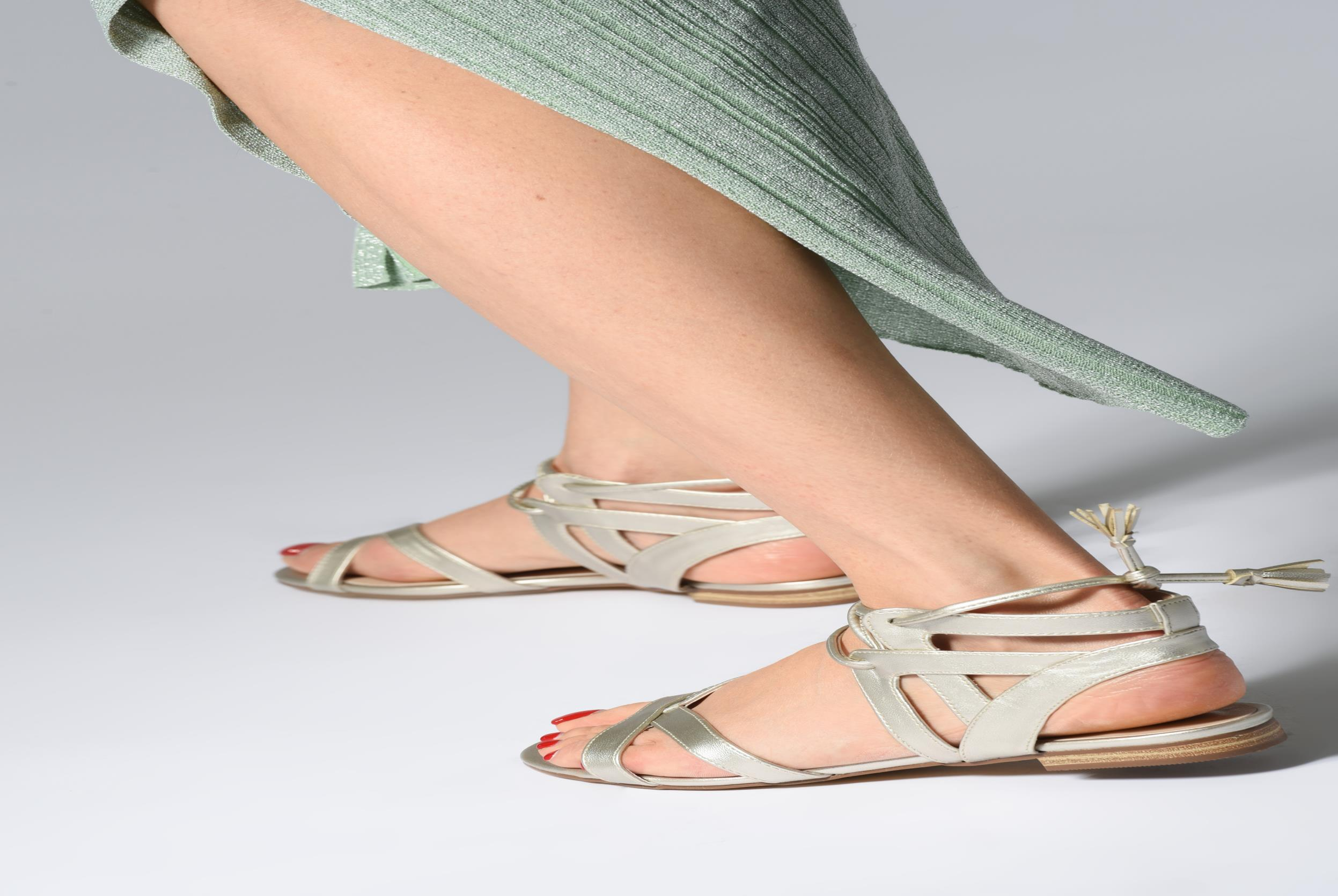 Sandalen I Love Shoes FELICE rot ansicht von unten / tasche getragen