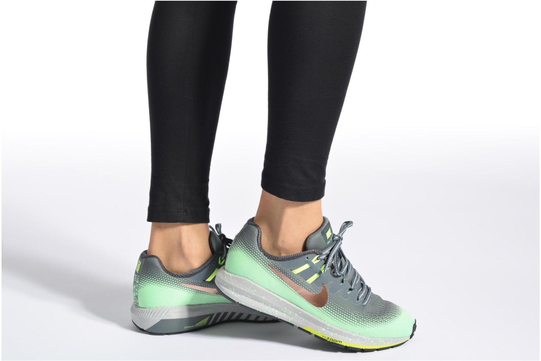 Chaussures de sport Nike W Air Zoom Structure 20 Shield Vert vue bas / vue portée sac