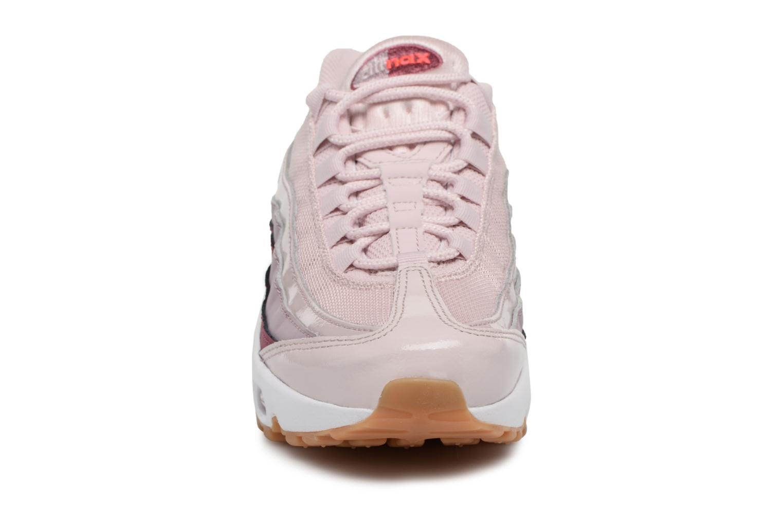 Baskets Nike Wmns Air Max 95 Rose vue portées chaussures