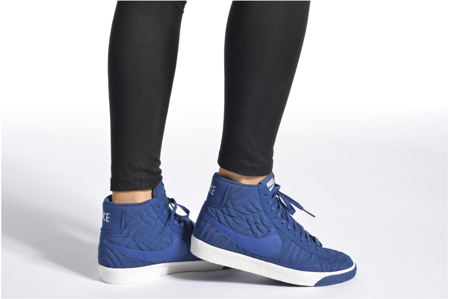 Trainers Nike Wmns Blazer Mid Prm Se Black view from underneath / model view