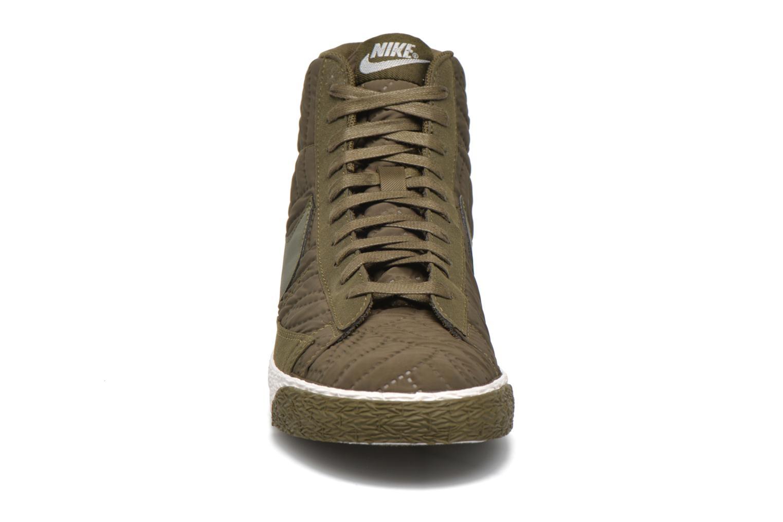 Baskets Nike Wmns Blazer Mid Prm Se Vert vue portées chaussures