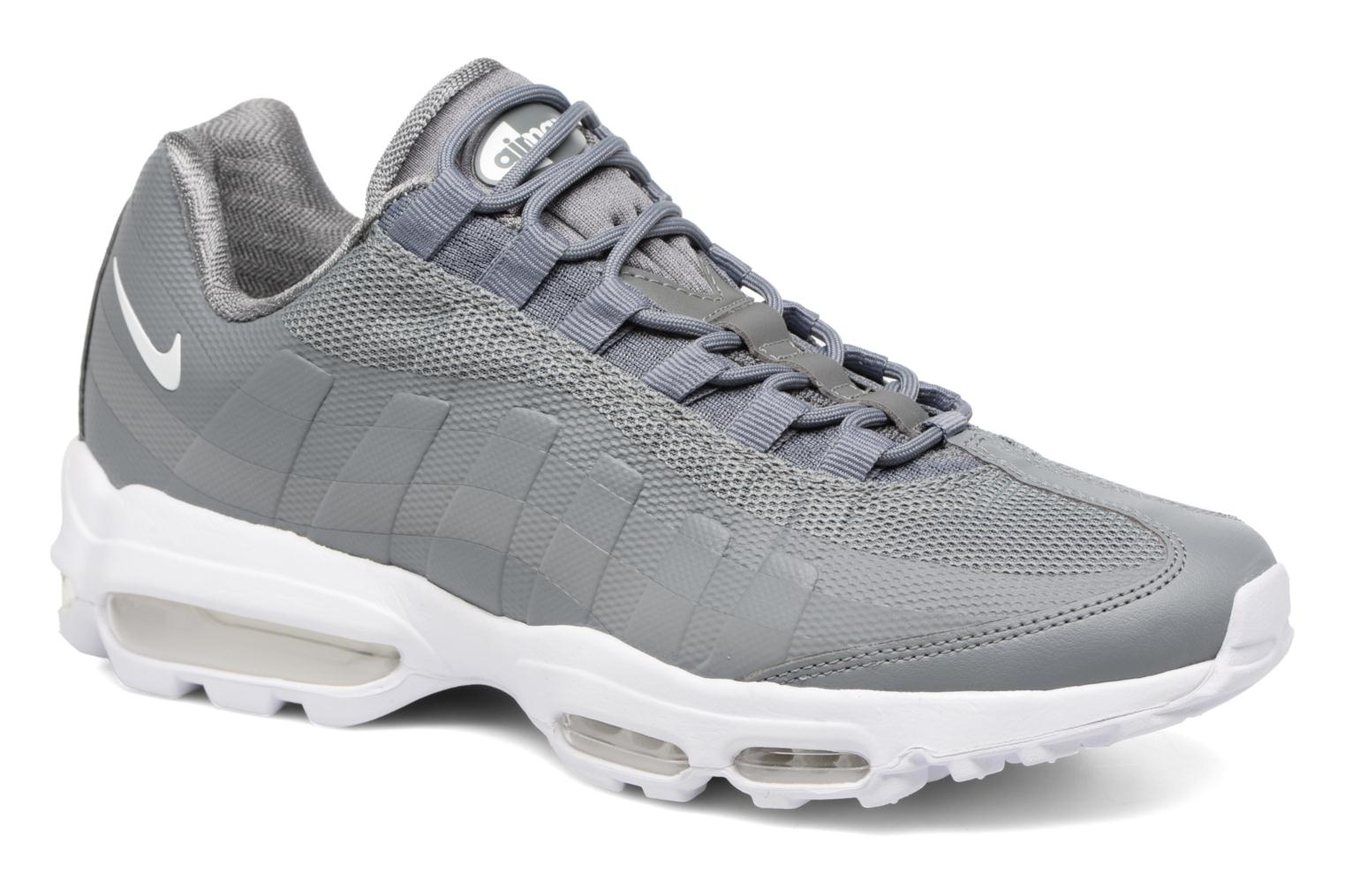 Trainers Nike Air Max 95 Ultra Essential Grey detailed view/ Pair view