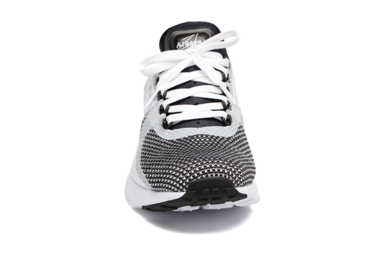 Baskets Nike Nike Air Max Zero Essential Blanc vue portées chaussures