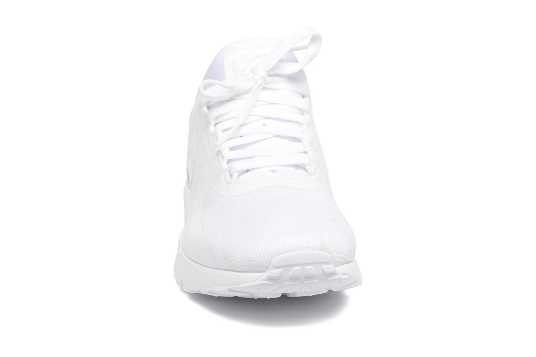 Deportivas Nike Nike Air Max Zero Essential Blanco vista del modelo