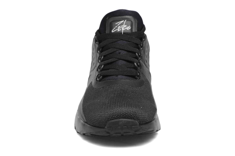 Baskets Nike Nike Air Max Zero Essential Noir vue portées chaussures