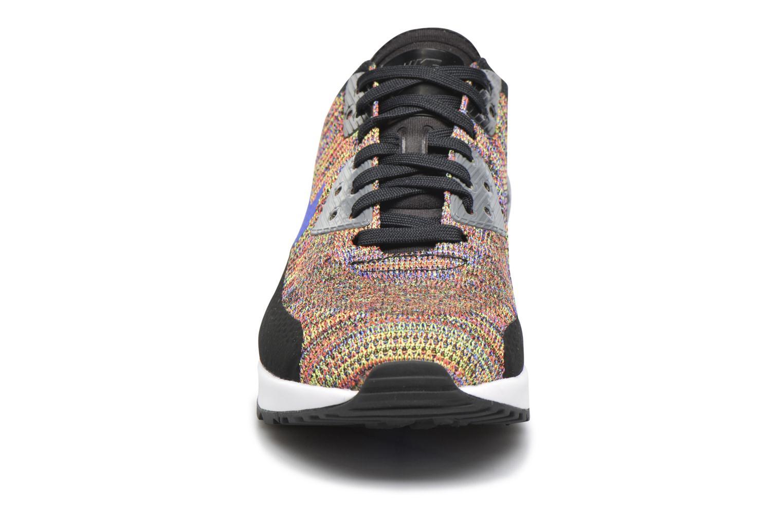 Sneakers Nike W Air Max 90 Ultra 2.0 Flyknit Nero modello indossato