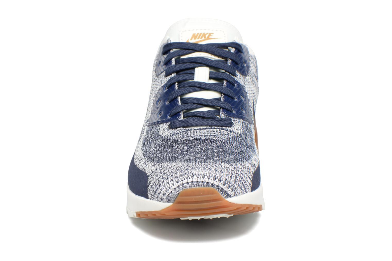 Sneakers Nike W Air Max 90 Ultra 2.0 Flyknit Azzurro modello indossato