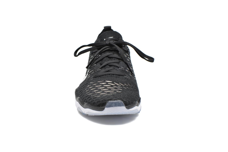 Zapatillas de deporte Nike W Air Zoom Fearless Flyknit Negro vista del modelo