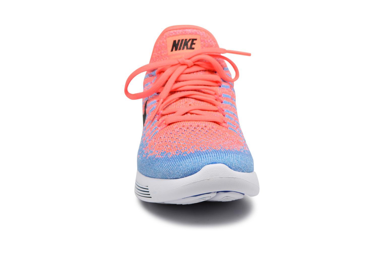 Zapatillas de deporte Nike W Nike Lunarepic Low Flyknit 2 Rosa vista del modelo