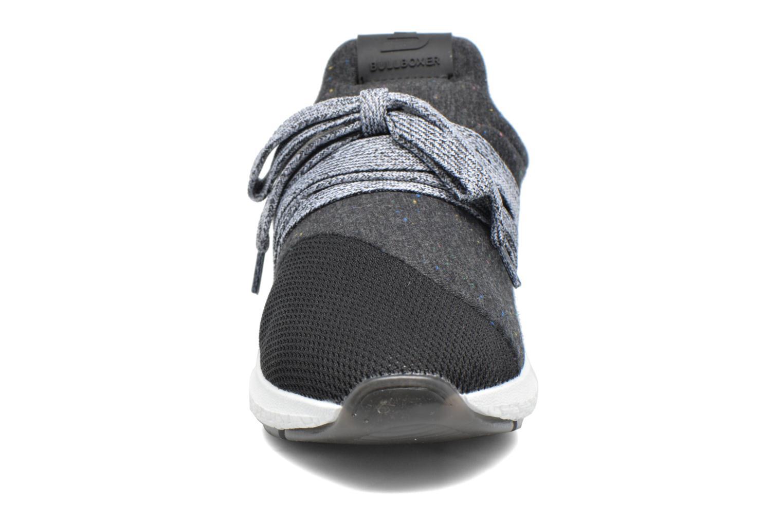Baskets Bullboxer Tity Noir vue portées chaussures