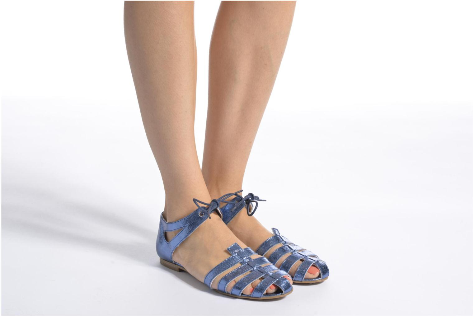 Sandals Ippon Vintage Popies Crease Blue view from underneath / model view