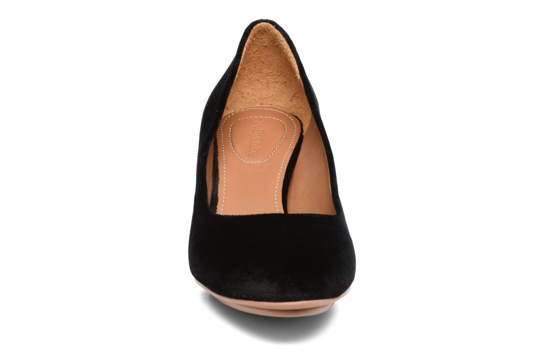 Pumps See by Chloé Arina Pump Svart bild av skorna på