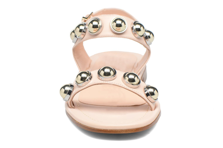 Sandali e scarpe aperte Carven Resonance Flat Beige modello indossato