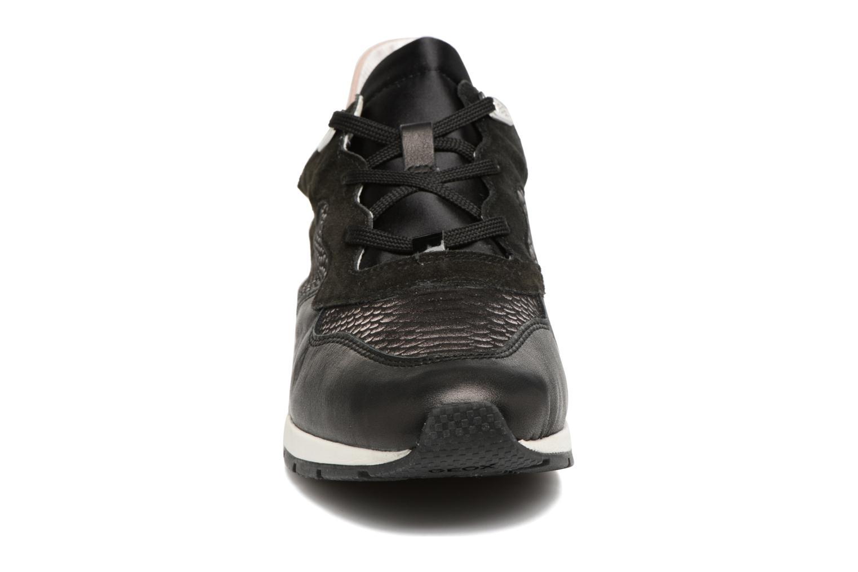 Baskets Geox D SHAHIRA B D62N1B Noir vue portées chaussures