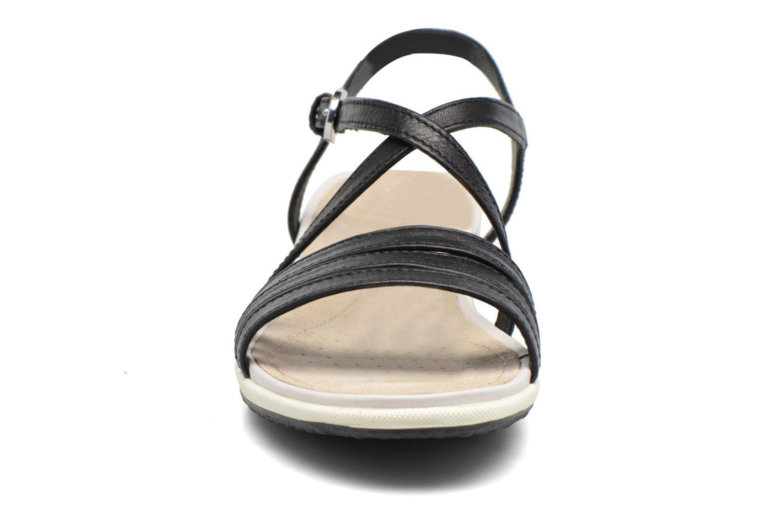 Sandali e scarpe aperte Geox D SAND.VEGA C D62R6C Nero modello indossato