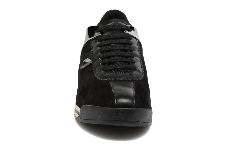 Sneakers Geox D CHEWA A D724MA Nero modello indossato
