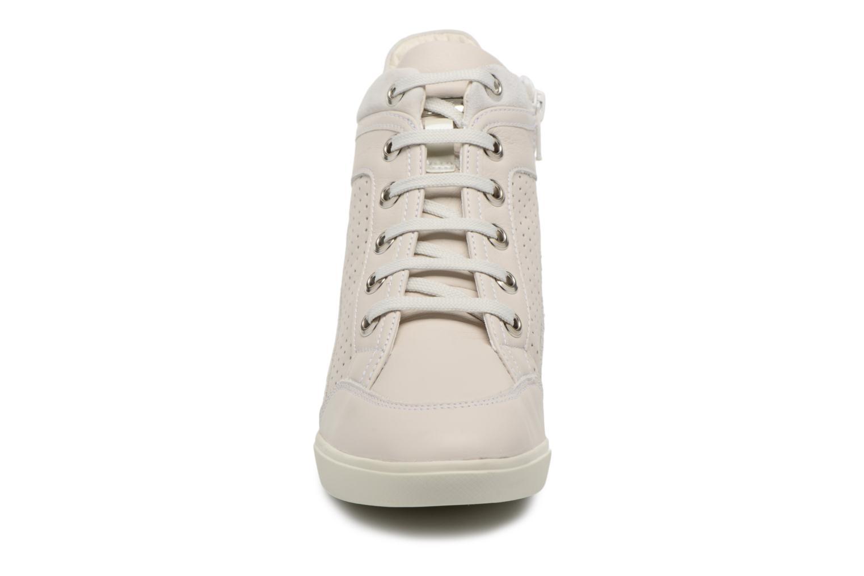 Baskets Geox D ELENI C D7267C Beige vue portées chaussures