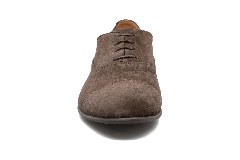 Chaussures à lacets Geox U WILBURG B U722SB Marron vue portées chaussures