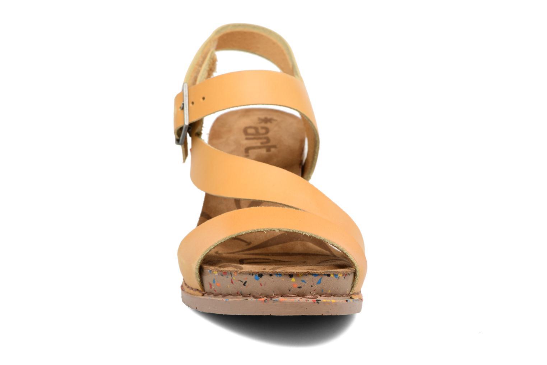 Sandales et nu-pieds Art I Laugh 1111 Jaune vue portées chaussures