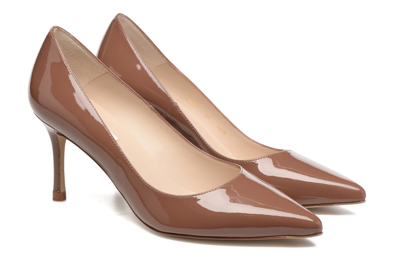 Zapatos de tacón L.K. Bennett Bianca Marrón vista del modelo