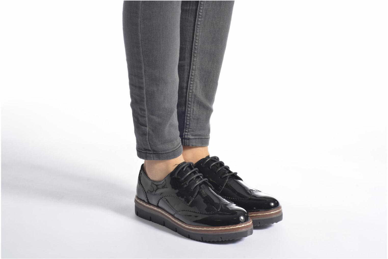 Schnürschuhe I Love Shoes thalweg weiß ansicht von unten / tasche getragen