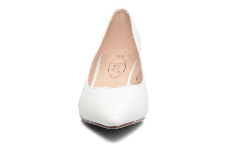 Escarpins I Love Shoes THORA Blanc vue portées chaussures