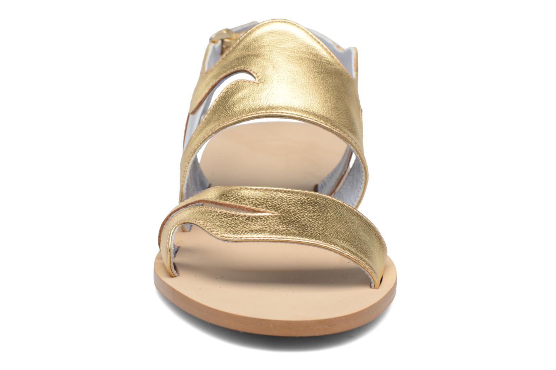 Wavy V4 Gold