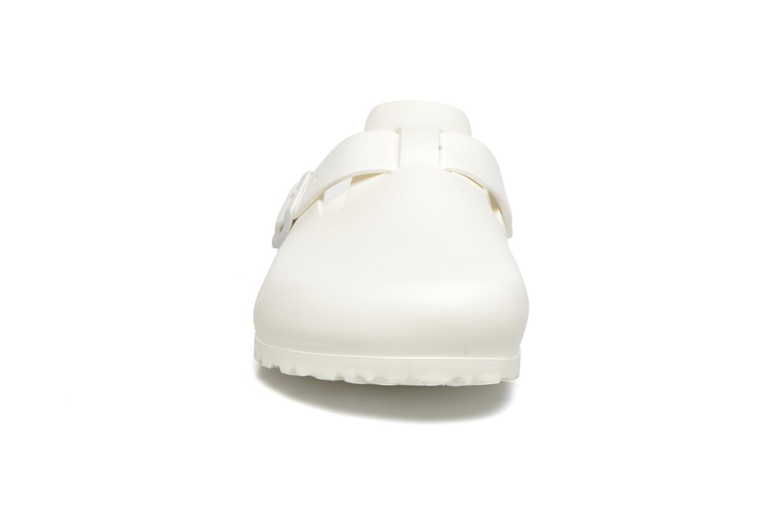 Sandales et nu-pieds Birkenstock Boston Eva Blanc vue portées chaussures